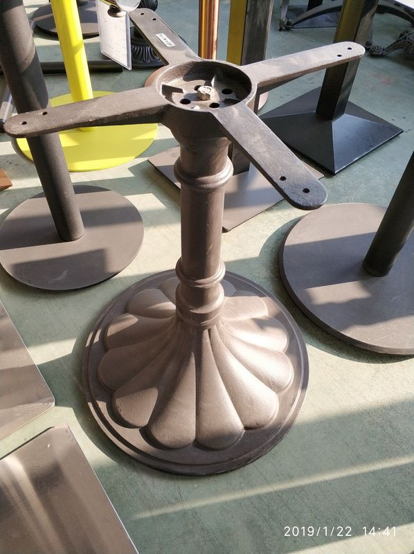 Metal Cast Iron Restaurant Table Bases / Powder Coating Tulip Table Base